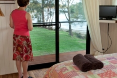 Soak-up-the-view-from-the-main-bedroom-watch-the-sun-come-up